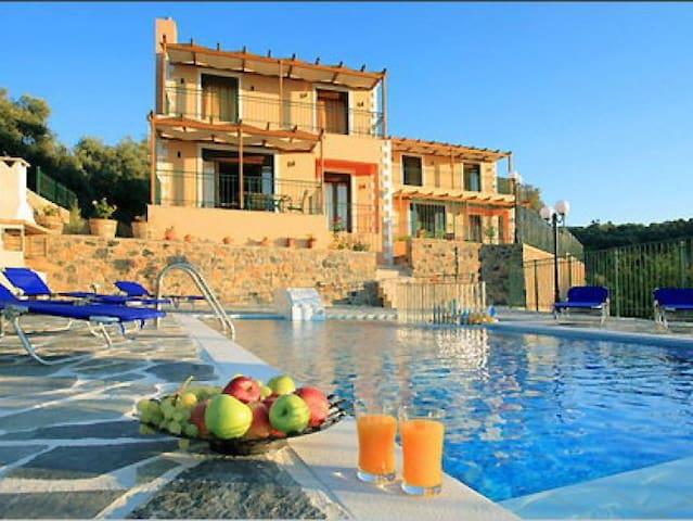 Villa Corinna, Rethymno, Crete - Kirianna - วิลล่า