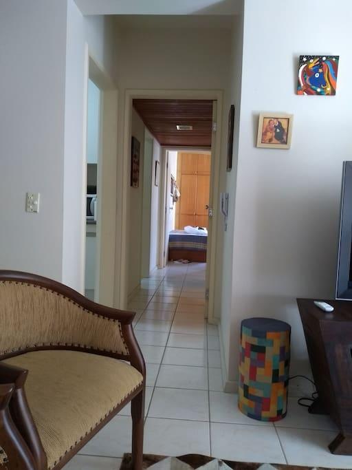 corredor para quartos banheiro