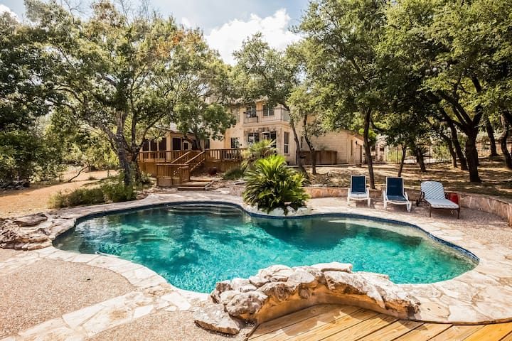 San Antonio Large Luxury Getaway