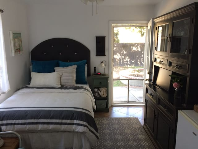 Cozy Private GuestSuite /Great Pasadena Location