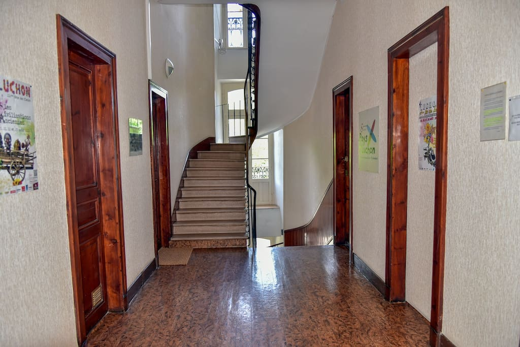 Hall 2ème étage