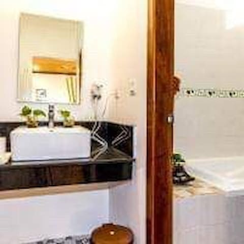 Deluxe twin with balcony+pick up in siem reap city