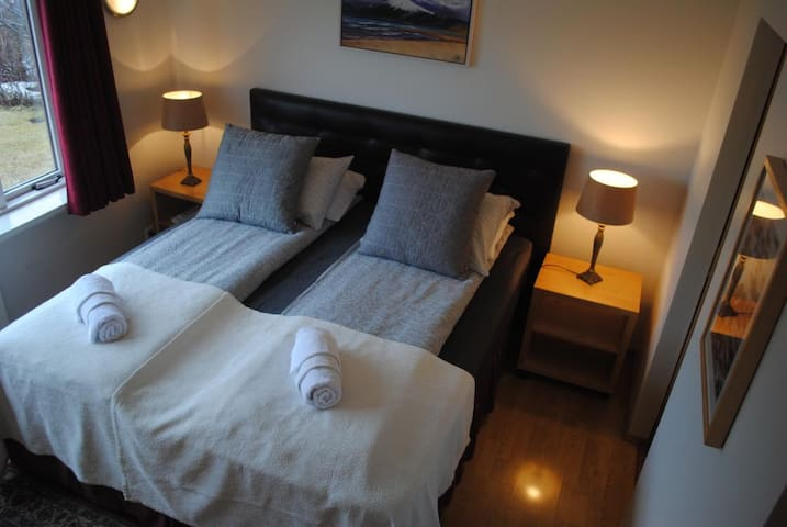 Gistiheimilið Bjarmalandi - Double or Twin Room with Shared Bathroom