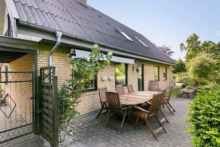 206 m2 villa 35 minutes from Copenhagen by car