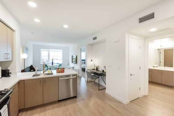 TRIBE ❤️  New 2BR in Downtown South San Francisco