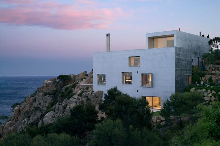 Casa Plata - A Seaside Modernist Dream with Pool - Palafrugell - House