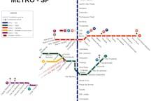 A 200 metros do metro.  200 meters from metro station.