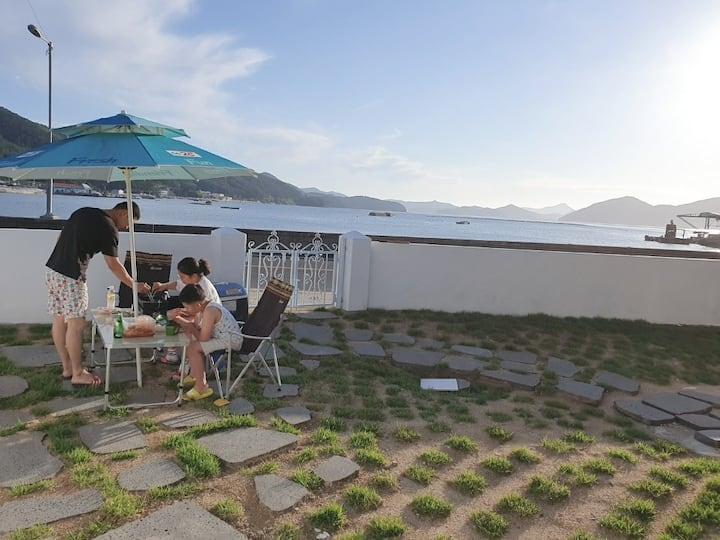 바닷가 앞 힐링하기 좋은 단독 주택