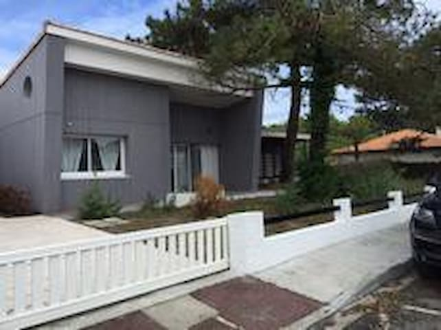 Très belle villa double terrasse