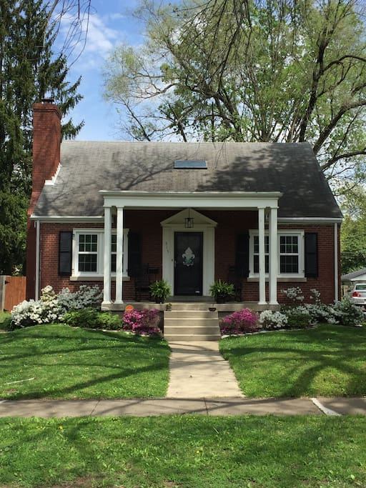 Cute home with great curb appeal!