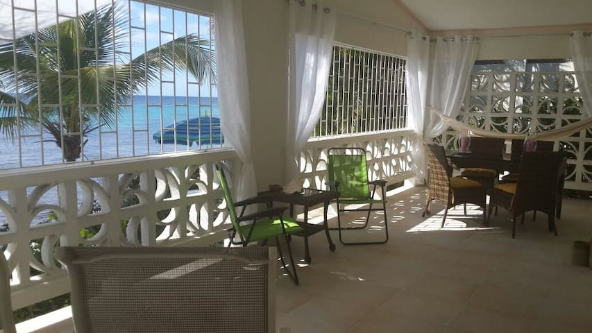 Charming vacation Beach Villa / 4 pers - Fitts Village