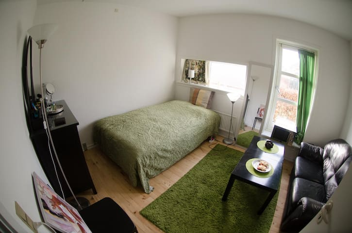 Cozy Studio Apartment - Smørum - Apartemen
