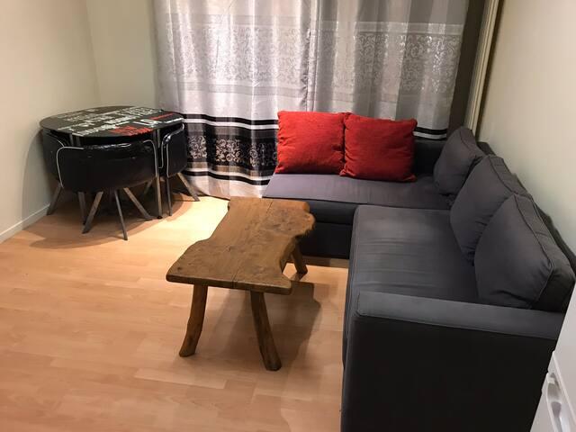 Studio bien situé à Paris 75008