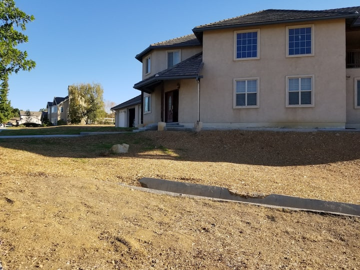 Redlands Home with a View (2)