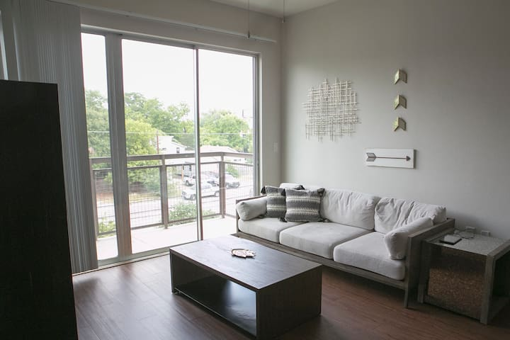 "★ [34] ""The Park"" Upscale Apartment"