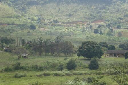 Sítio próximo das cachoeiras - Bonito - House