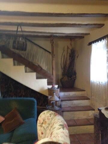 escalera acceso al primer piso
