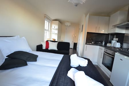 Modern Flat London with Kitchen,Shower ,WC - Londres