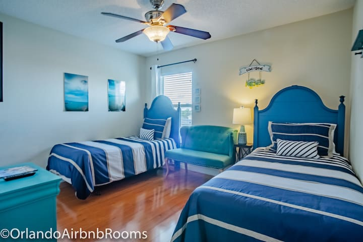shared room - Single bed Airbnb near Disney