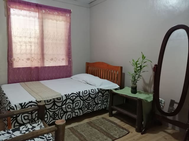 Private Room near market and transport terminals