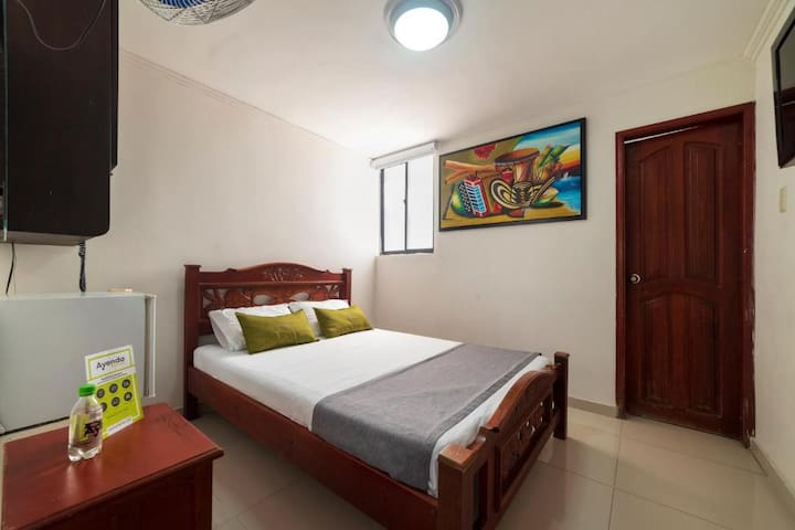 Hotel aquarius- habitacion economica 1 persona