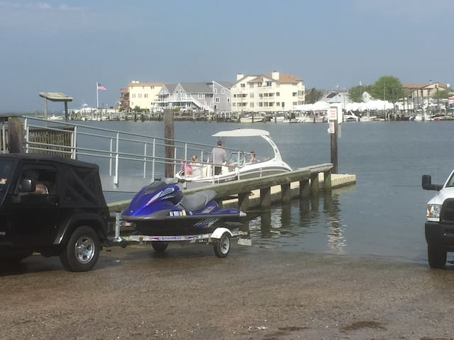 Jet Ski launch -free and nearby