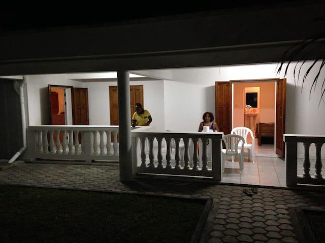 Villa, Toamasina