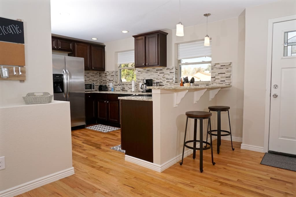 Fully updated kitchen with granite and new appliances!
