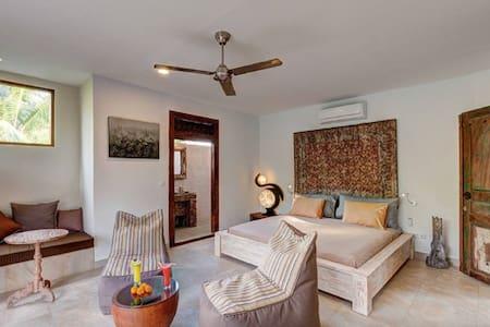 Superior Room (#9) in Ganesh Lodge - Manggis
