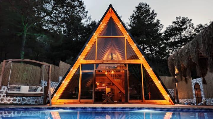 Vakana:Doğa içerisinde havuzlu ve  jakuzili villa