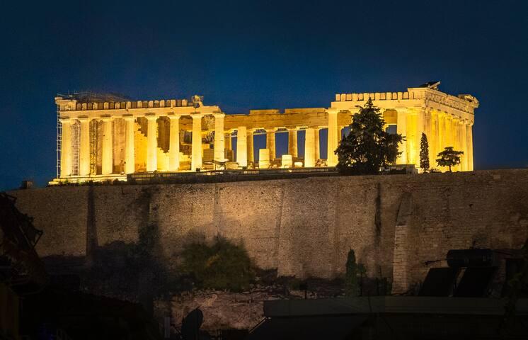 Acropolis spacious apartment , stunning view
