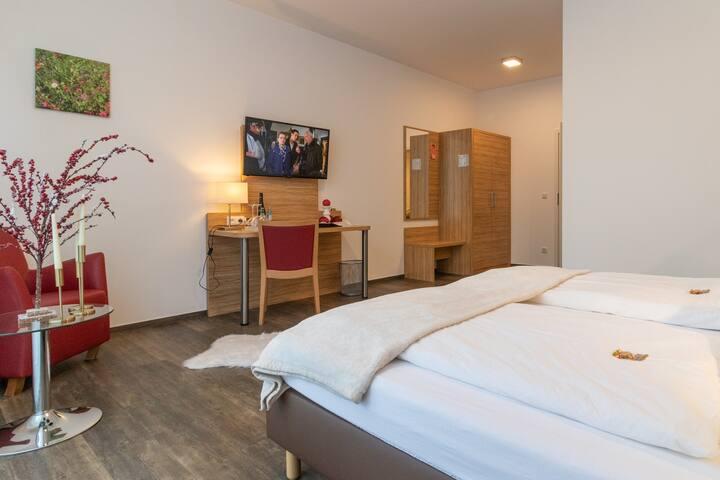 B&B oder Garni Hotel Doppelzimmer Nr. 6