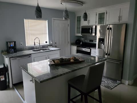 Gorgeous Home Close to the Beach and Speedway