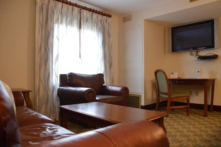 The Lodge at Wisp Luxury King Suite Sleeps 4