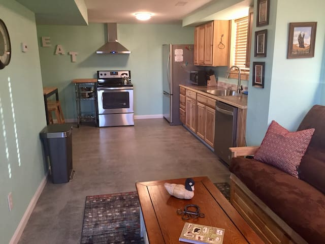Kate Interieur Design Impressies.Airbnb Ennis Vacation Rentals Places To Stay Montana