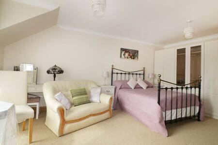Magnolia House,Biscovey Road Par,Cornwall  PL242HW