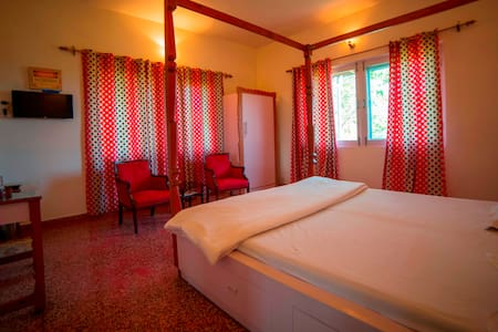 Seclude Palampur - Ground Floor Red Room - Palampur