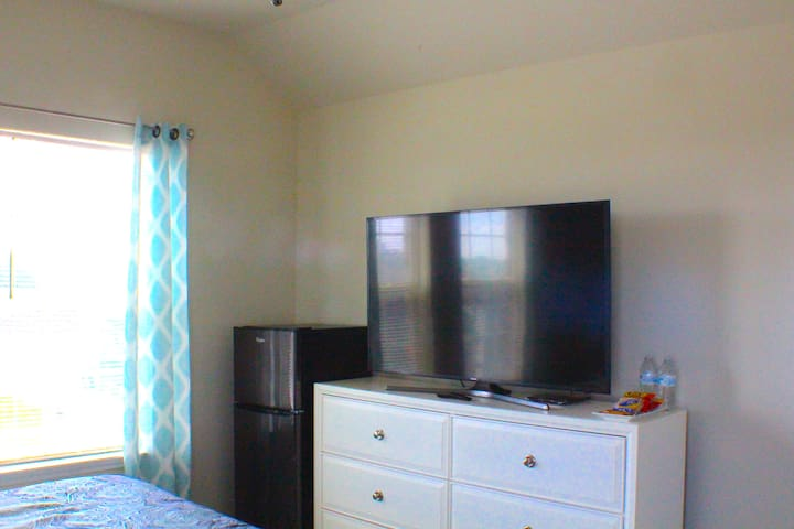 Complimentary use of Netflix in-room on 55' Smart Tv throughout stay