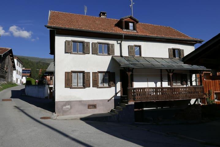 Casa Lumpaz