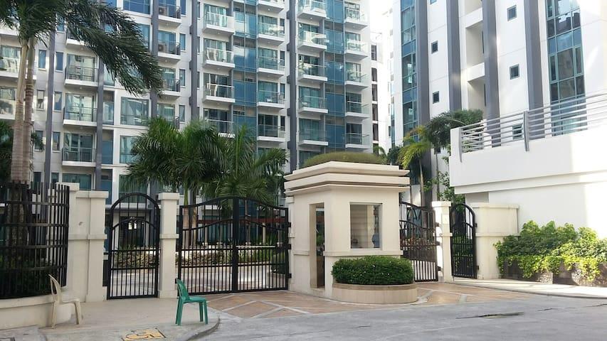 Palm Tree Two Villas @ Resorts World Manila