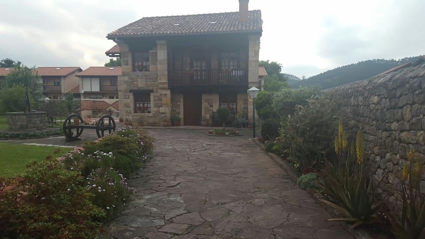 Casa Lidia - Cabezón de la Sal - Casa