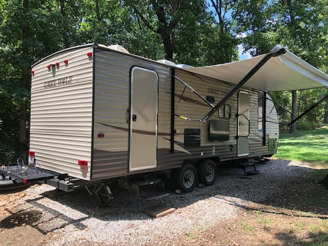 Stay at Blowing Springs Campground in Bella Vista