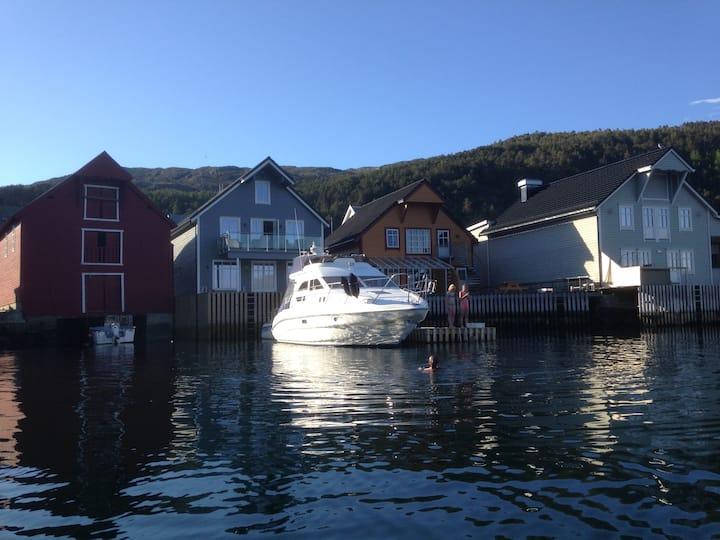 Skutevikbua in the heart of Kalvåg