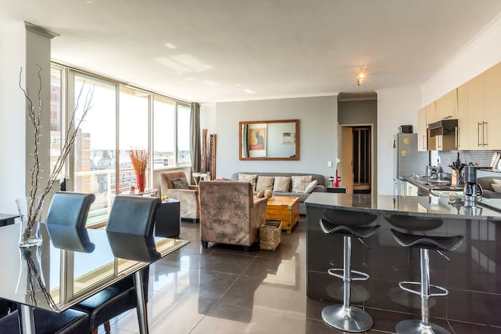 Magical Cape Town center 2 bed 2 bathroom*