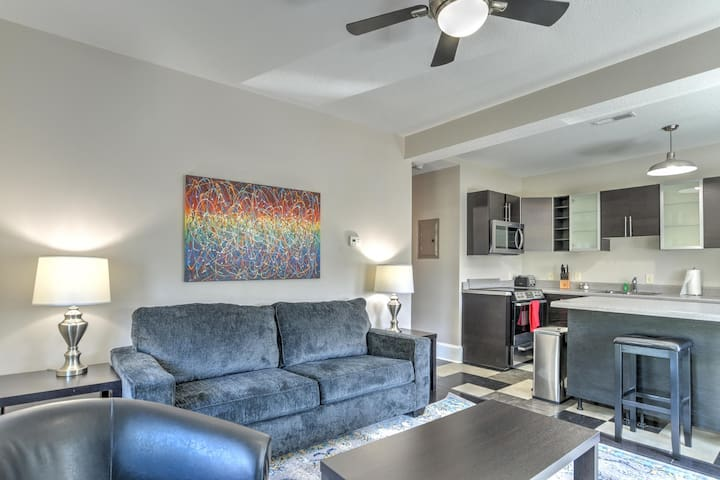 Newly renovated charming condo in Historic King James Building #6