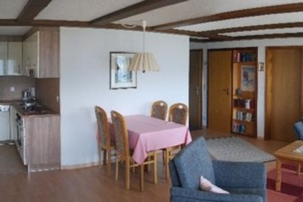 Küche / Essbereich / Wohnbereich