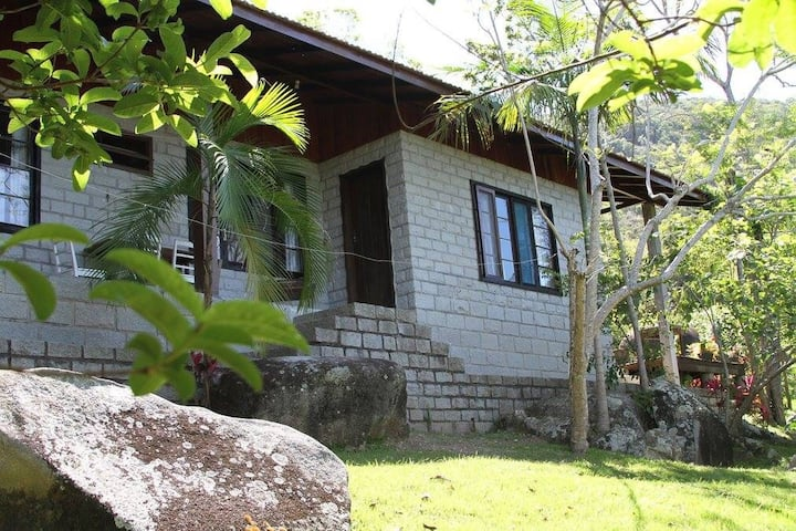 Casa de Pedras 01