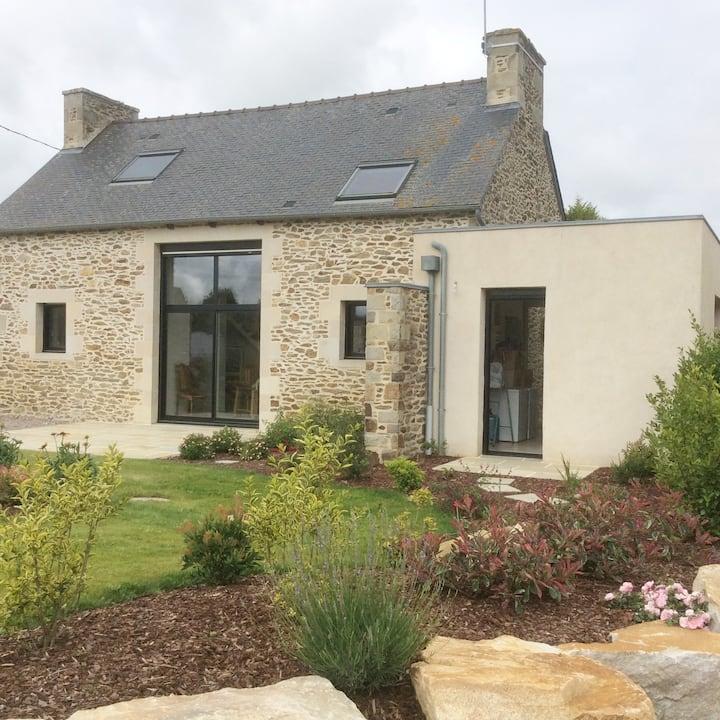 Maison bretonne en pierres... contemporaine