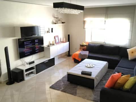 Appartement moderne, meublé et bien équipé!!!