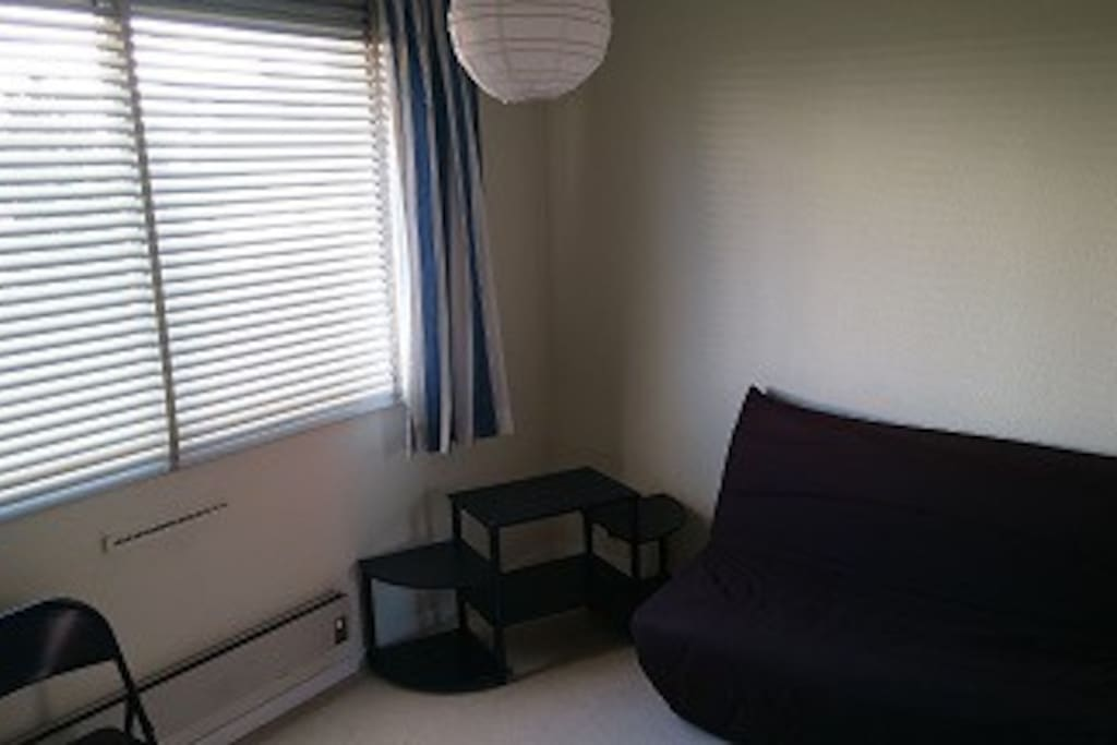 studio id alement plac 2 pas du centre ville appartements louer clermont ferrand. Black Bedroom Furniture Sets. Home Design Ideas